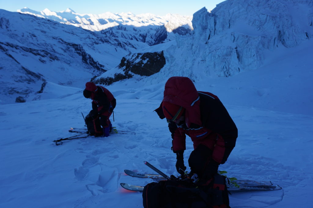 Mike and Steve Marolt getting the rope out for the slots, Himling Himal. Photo Jim Gile