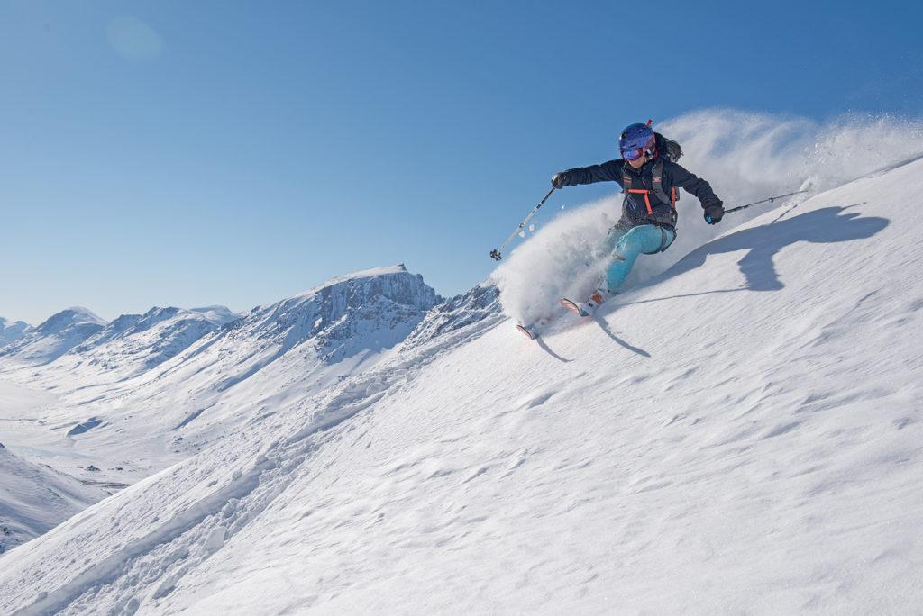 Jillian Raymond carves a ridge. Photo Keoki Flagg