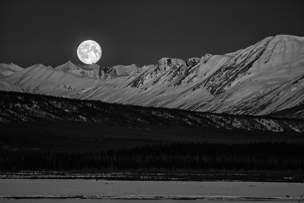 Full moon rising in AK